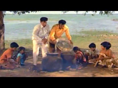 Bapu Movie Songs - Samooha Bhojanambu Santoshmaina Vindu - Anr - Andala Ramudu