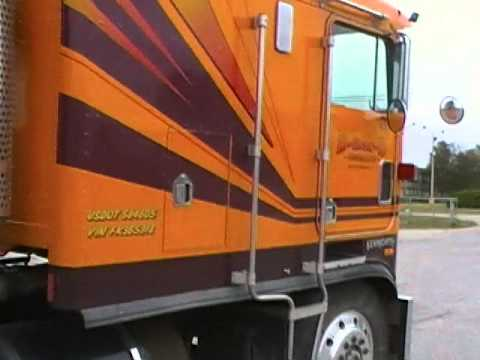 A (working) Classic Kenworth Cabover Aerodyne ~  1985 KW K100c visits  a Kenworth store