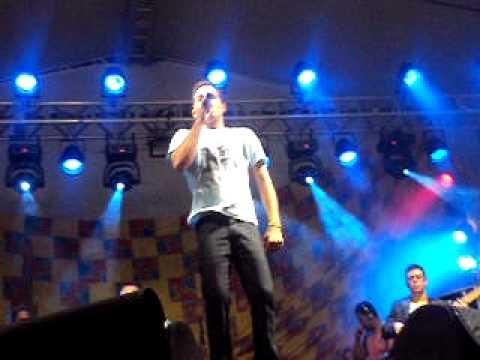 FLOR DE AÇUCENA EM PEDRAO 2011