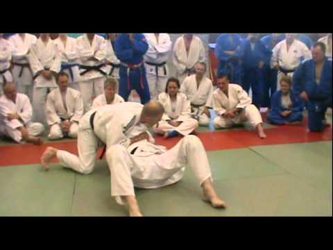 Judo – Competition Ne-waza Techniques by Steve Gawthorpe (6th Dan)