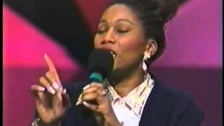 "Yolanda Adams On Surviving An Abusive Relationship: ""It Was As Though The Lord Said, 'Okay, You Chos"