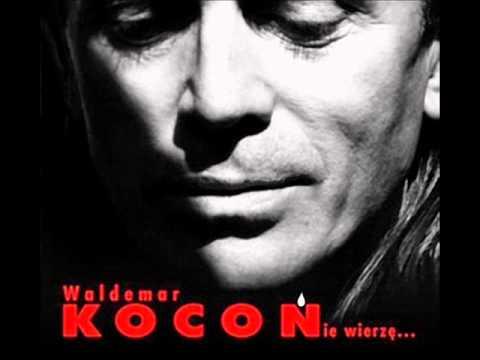 Tekst piosenki Waldemar Kocoń - Twój portret mamo po polsku