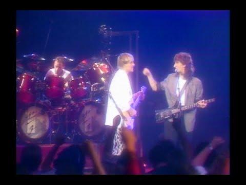 RUSH - New World Man (live) 1984 - Grace Under Pressure Tour