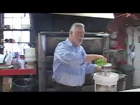 Quickleen cleans industrial pizza oven