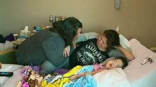 Video 'She'll be with her mom': Baby Aurora taken off life support MP3, 3GP, MP4, WEBM, AVI, FLV Juli 2018