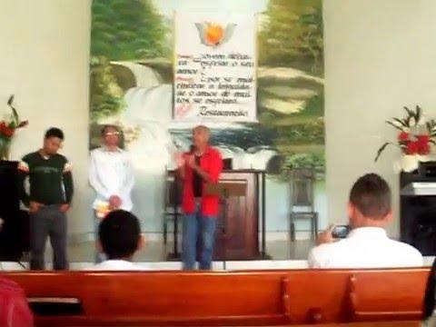 Cantor Marcos Miranda aniversario da juventude Igreja batista em Barrolandia Bahia canção pai SDC100