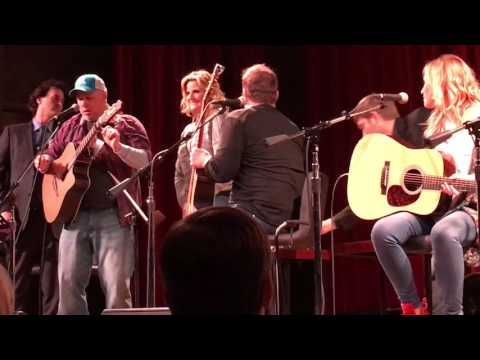 Trisha Yearwood & Garth Brooks If It Hadn't Been For Love