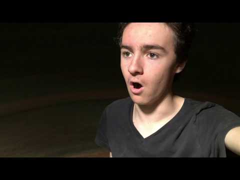 Kid Sings Halo Theme Song in a 22,500L Water Tank