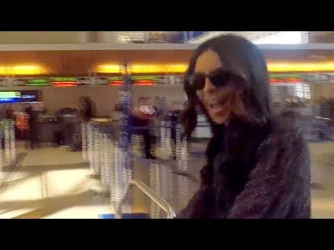 Terri Seymour Jets Out Of LA With Daughter Coco
