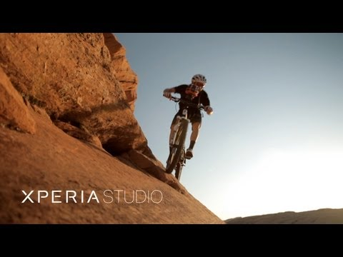 360° video recording using six Xperia™ neo phones