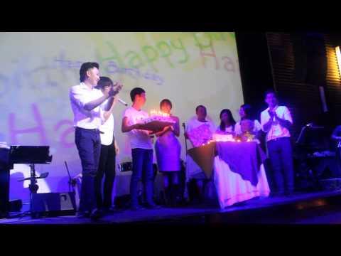 Giây Phút Xúc Động của Cám Về Món Quà - Happy birthday Văn Mai Hương/PT Đồng Dao - Thời lượng: 4 phút, 22 giây.