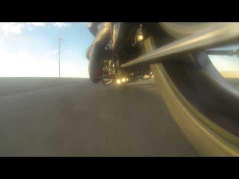 Come si deforma la catena di una moto in accelerazione