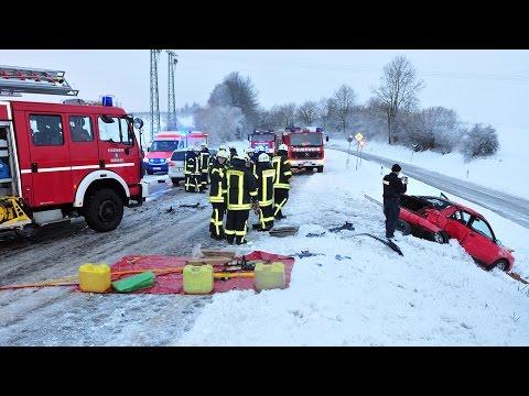 Vier Verletzte bei Glätteunfall
