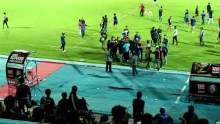 Video berahir dengan kerusuhan AREMA vs PERSIB MP3, 3GP, MP4, WEBM, AVI, FLV April 2018