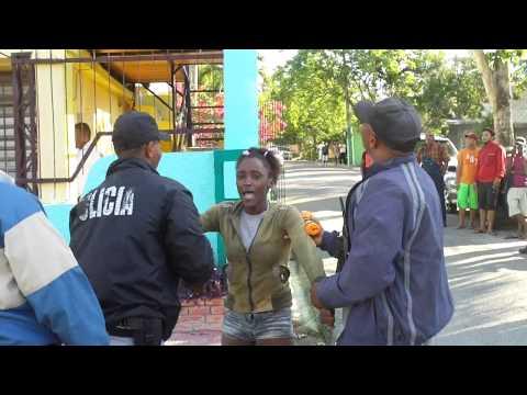 boca chica - Un ciudadano italiano contrato los servicio sexuales de una joven que se prostituye en Boca Chica y luego de satisfacerse se nego a pagarle la suma de $RD700...