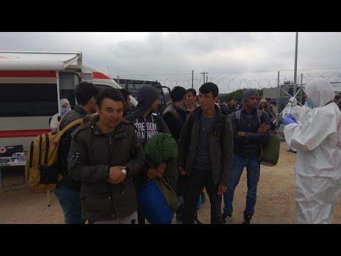Ξεκίνησε η μεταφορά μεταναστών στην ηπειρωτική χώρα