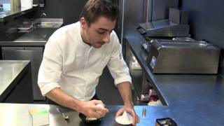 Jordi Roca presents one of his desserts with fragrance