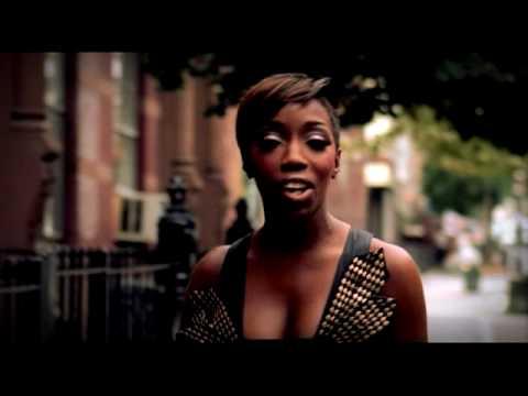 Estelle - Wait A Minute [Just A Touch] (video)