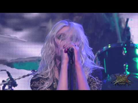 pretty - Taylor Momsen and her band The Pretty Reckless perform Heaven Knows at the Revolver Golden Gods Awards on April 23, 2014 at the Nokia Theater in Los Angeles.