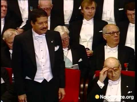 Ahmed Zewail receives his Nobel Prize