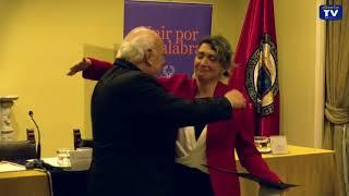 Premio Alejandro Silva de la Fuente a la periodista Vivian Lavín.