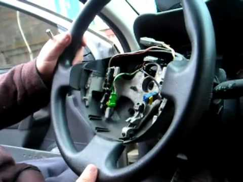 comment demonter airbag clio 3