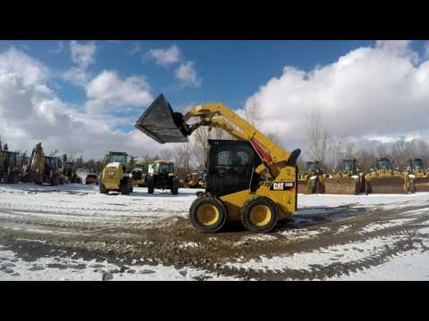 CATERPILLAR SKID STEER LOADERS 242D equipment video -xFcRWY7ODE