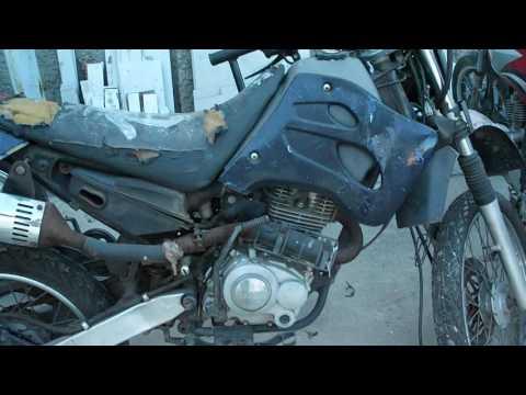 Moto de trilha TRAXX 125 2008 com nota de leilão por R$1 350,00