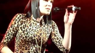 Jessie J - Nobodys Perfect (VIP Sydney Gig, Special apperance by The Shures)