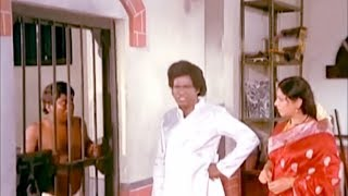 Video வயிறு குலுங்க சிரிக்க வைக்கும் நகைச்சுவை வீடியோ Funny Videos | Goundamani Senthil Comedys MP3, 3GP, MP4, WEBM, AVI, FLV Agustus 2018