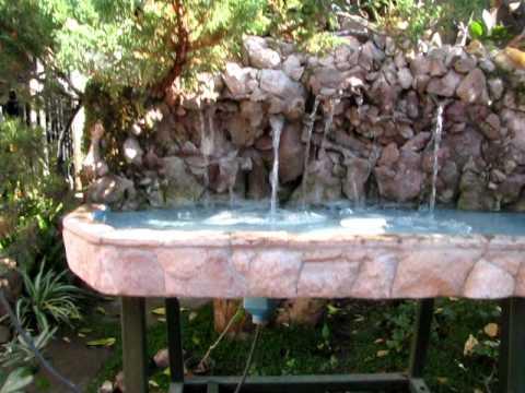 Piletas de piedra videos videos relacionados con for Piletas de agua para jardin