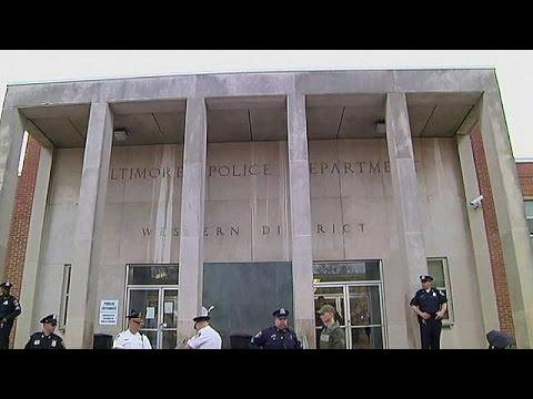 Αθώοι οι έξι αστυνομικοί για το θάνατο του Φρέντι Γκρέι