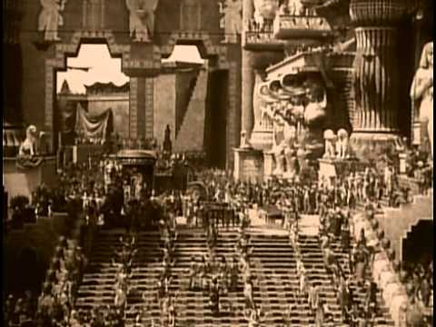 Movie - Intolerance: Love's Struggle Throughout the Ages (D. W. Griffith, 1916)