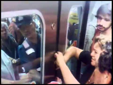 videos de arrimones y manoseos en el bus