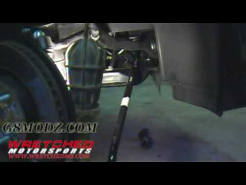 Removing the Front Sway Bar from a Pontiac G8