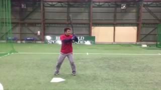 「後ろから投げてもらったボールをティーバッティング」(ブリスフィールド東大阪 平下コーチ(元阪神タイガース))