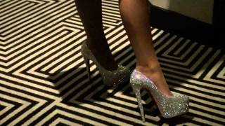 SEXY LOUBOUTIN HIGH HEELS WALK IN MIAMI HOTEL BY TAMIA