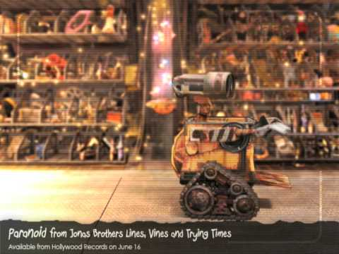 Wall-E sings Paranoid by Jonas Brothers