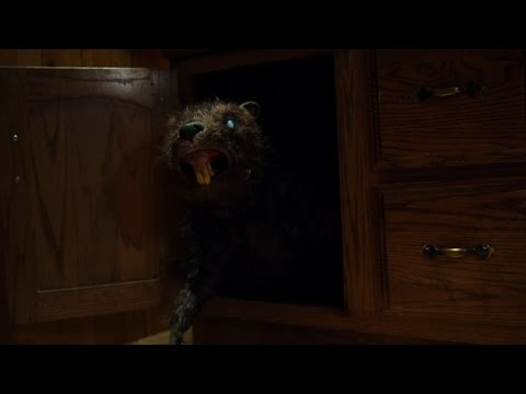 Zombeavers Zombeavers (Restricted Clip)