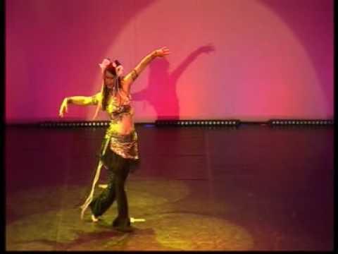 """Tribal Fusion Choreographie """"Schüttel Dein Speck"""" mit Asita"""