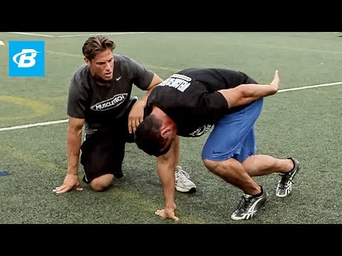 NFL Combine - To see the complete NFL Trainer go here: http://bit.ly/yUTEFC NFL Combine Trainer: Pete Bommarito NFL Training Guide - Rise To The Next Level. Bodybuilding.c...