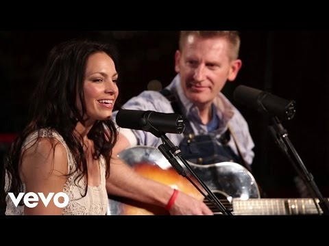 Joey & Rory W/Josh Turner