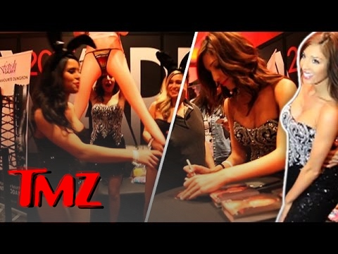 enough - Farrah Abraham kept getting photobombed by her blow up doll … that looks nothing like her. Subscribe! TMZ -- https://youtube.com/user/TMZ Subscribe! TMZ Sports -- https://youtube.com/user/TMZSpo.