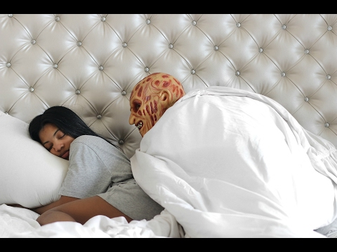 EXTREME SCARE PRANK ON GIRLFRIEND!!!!