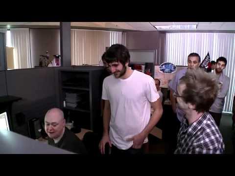 Kyrie Irving et Ricky Rubio dans les locaux d'EA