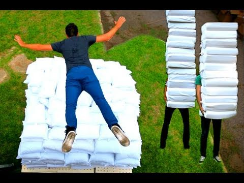 2 Guys 600 Pillows (Backwards Music Video).