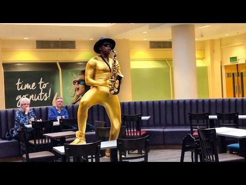 Black Epic Sax Guy (видео)