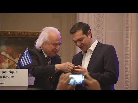Με το βραβείο «Πολιτικού Σθένους», τιμήθηκε ο πρωθυπουργός