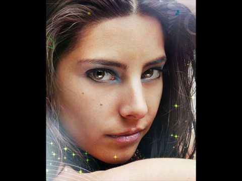Daniela Castillo - En Carne Viva lyrics
