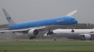 Amsterdam. L'avion a du mal à atterrir en raison de la tempête